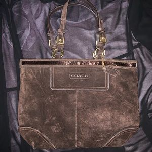 Brown COACH shoulder bag (PRICE FIRM)